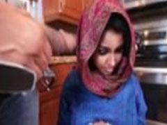 Türkin von ihrem Ehemann hart durchgefickt
