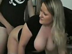 Die dicken Titten einer heissen Blondine