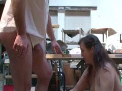 Deutsche Mutter in einer Werkstatt gefickt