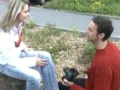 Junges Mädchen beim Pornocasting