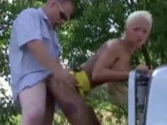 Geiler Sex auf der Ladefläche eines Pick ups