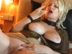 Oma war mal eine geile Pornodarstellerin