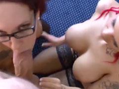 Zwei Pornostars mit dicken Titten und ein Schwanz