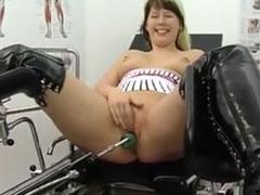 Heisse Hausfrauen von Fick Maschinen gefickt
