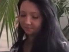 Schüchternes Mädel im privaten Sex Video