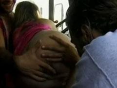 Heisse Anhalterin vom LKW Fahrer gefickt