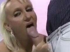 Geiler Arschfick mit einer deutschen Hausfrau