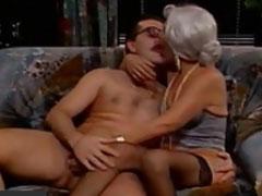 Oma pervers – geiler deutscher Oma Porno