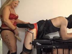 Deutsche Hausfrauen lieben BDSM Spiele