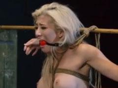 Brutaler Sex mit einer heissen Blondine