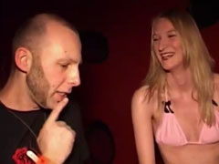 Pornostar von einer Lesbe geleckt