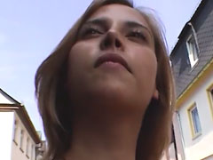 Pornocasting mitten in der Stadt