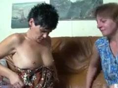 Zwei bisexuelle alte Frauen